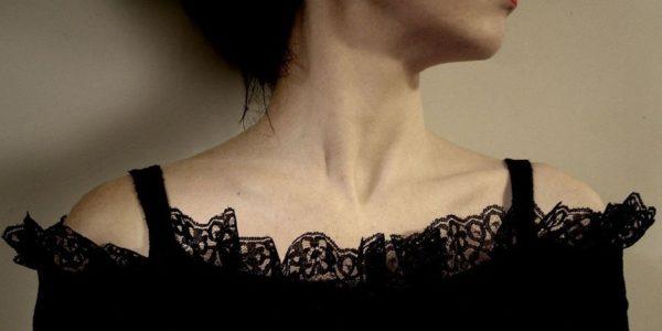 Fekete menyasszonyi ruha – ez igazán dögös!