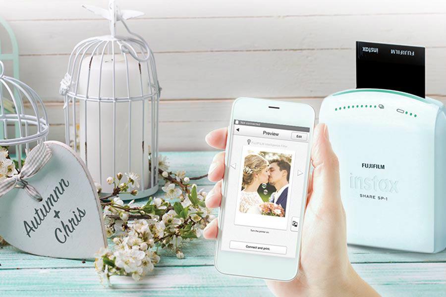 Esküvői fotósarok - Instax Share fotónyomtató segítségével