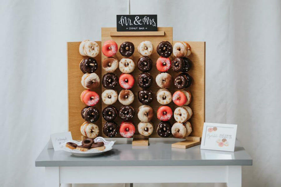 Fánki Donuts - esküvői fánkfal